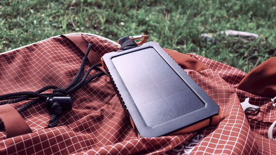Xtorm Instinct Solar Charger 10.000 mAh - AM123