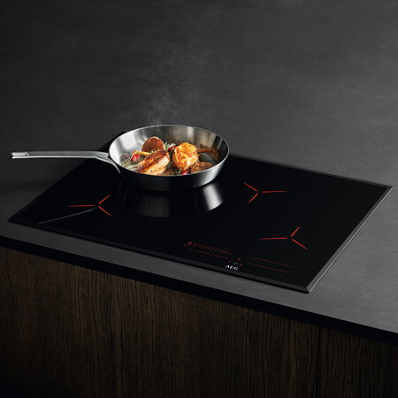 AEG Taque à induction IPE74541FB Hob2Hood